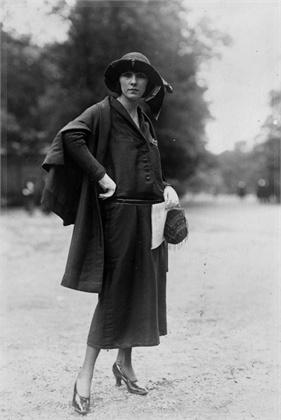 Маленькое черное платье в журнале Vogue. Дизайнер Мадлен Вионне. 1923 год