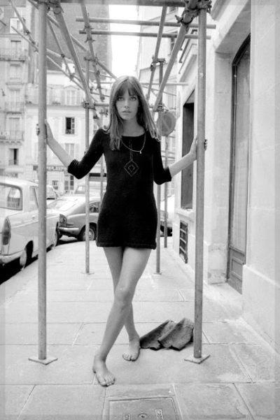 Джейн Биркин в маленьком черном платье