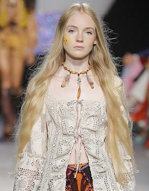 Очень длинные волосы, Anna Sui