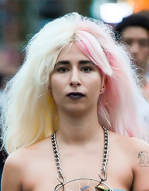 Розовые волосы, Gypsy Sport