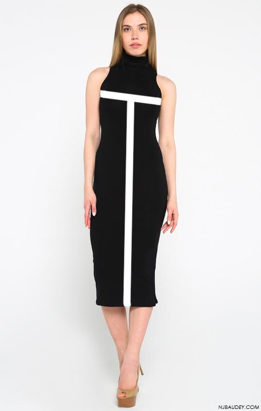 черное платье с белыми горизонтальными и вертикальными линиями