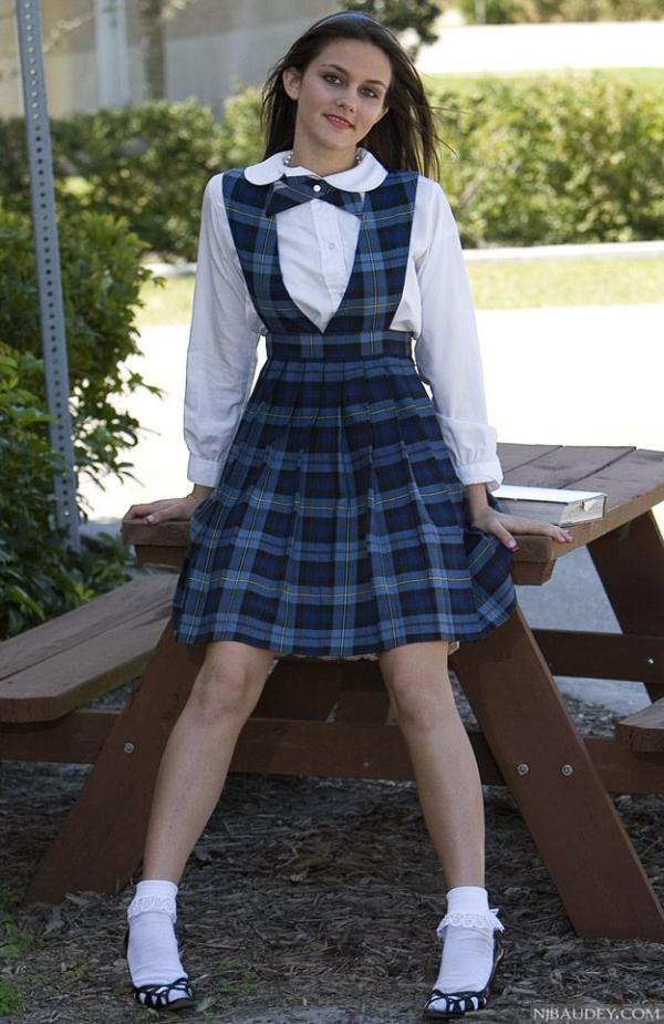 Туфли с носками инфантильный образ школьницы